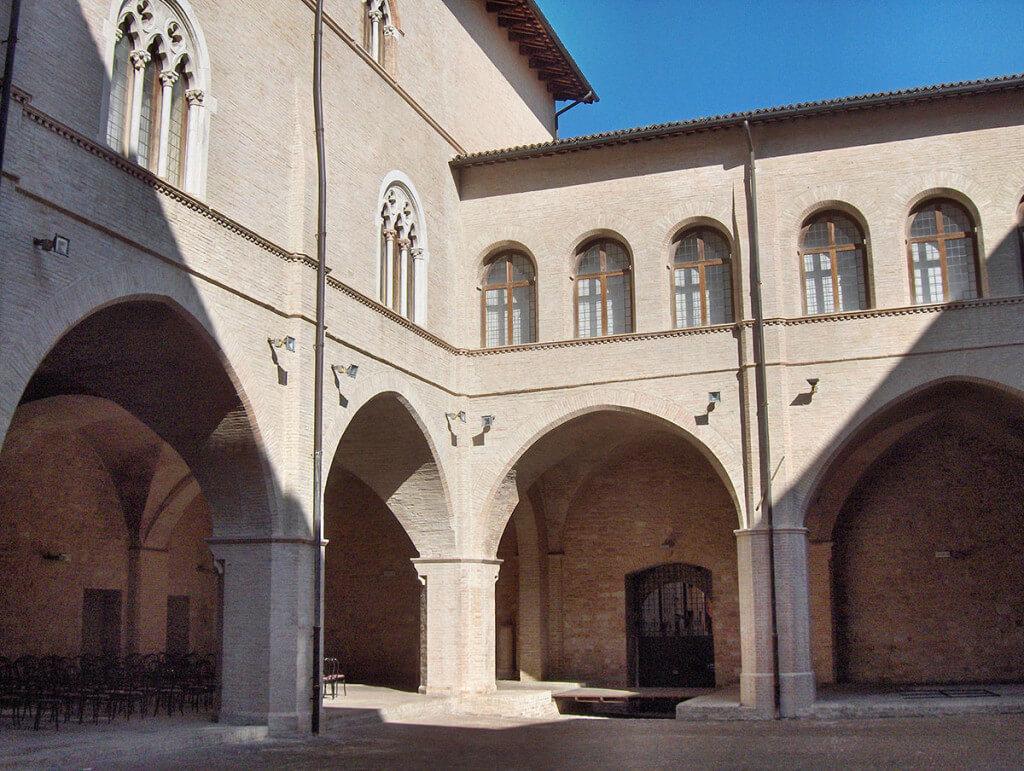 PalazzoTrinci001